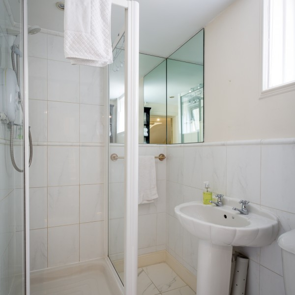 Crossways - shared shower / toilet