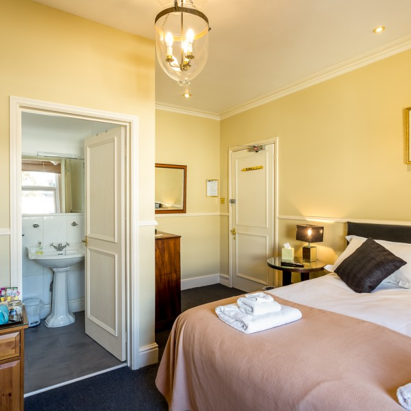 Crossways - triple / double en-suite